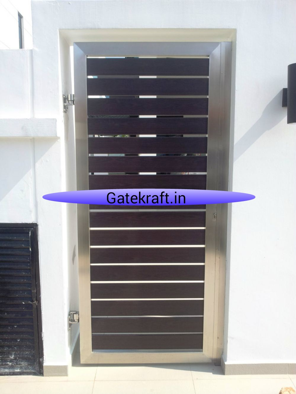 Steel Single Doors Gate With Wooden Combination In Delhi